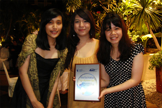 Biz-Tech Team, Juara Dua APEX Business-IT Global Case Challenge 2012