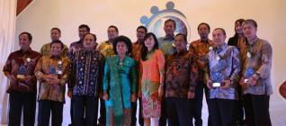 11 perusahaan penerima penghargaan CSR Award Koran SINDO 2013
