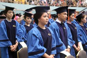 http://binus.ac.id/wp-content/uploads/2013/07/wisudawan-03.jpg