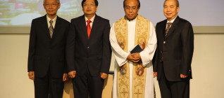Foto Bersama setelah pelantikan rektor 2013 - 2018