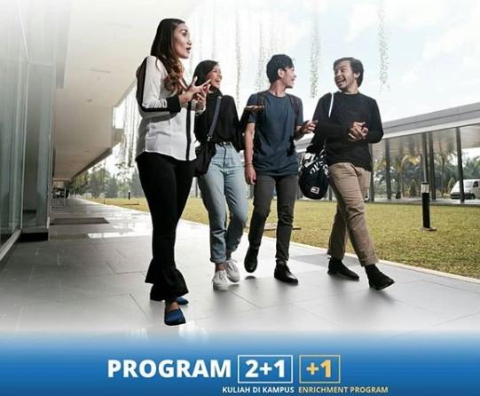 Mobility Program BINUS UNIVERSITY Bandung Perluas Koneksi dan Wawasan Desain Yonatan