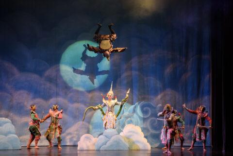 Manfaat Seni Teater yang Harus Kamu Tahu